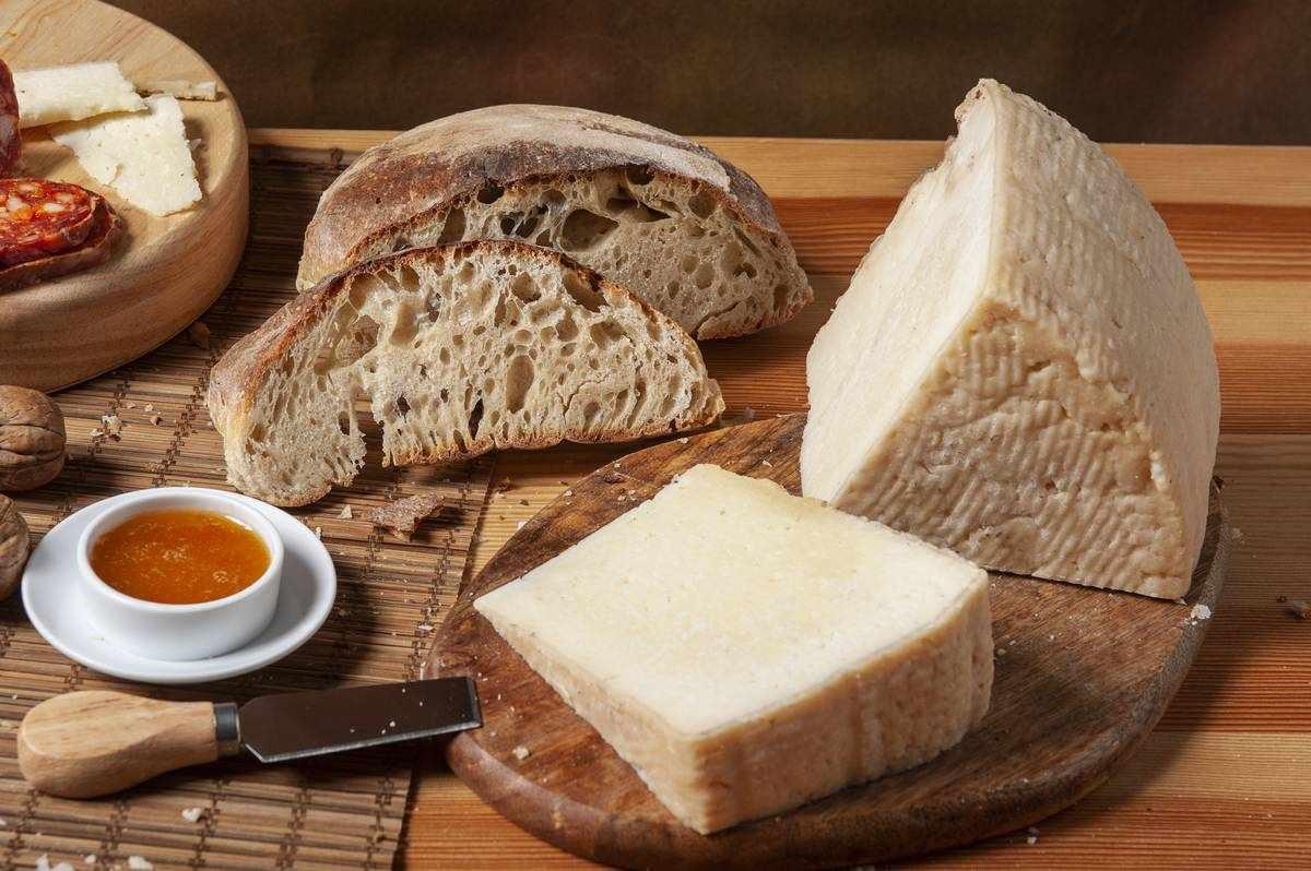 formaggio-di-bufala-semi-stagionato