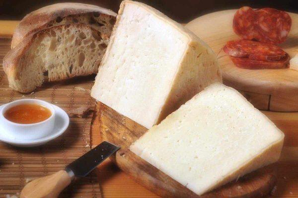 formaggio-di-bufala-semi-stagionato3