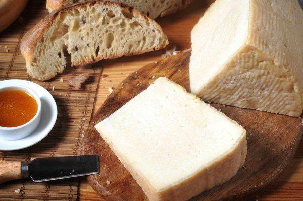 formaggio-di-bufala-semi-stagionato4